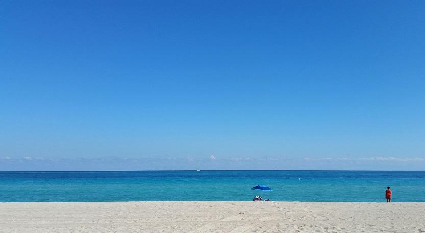 Beach – Décima