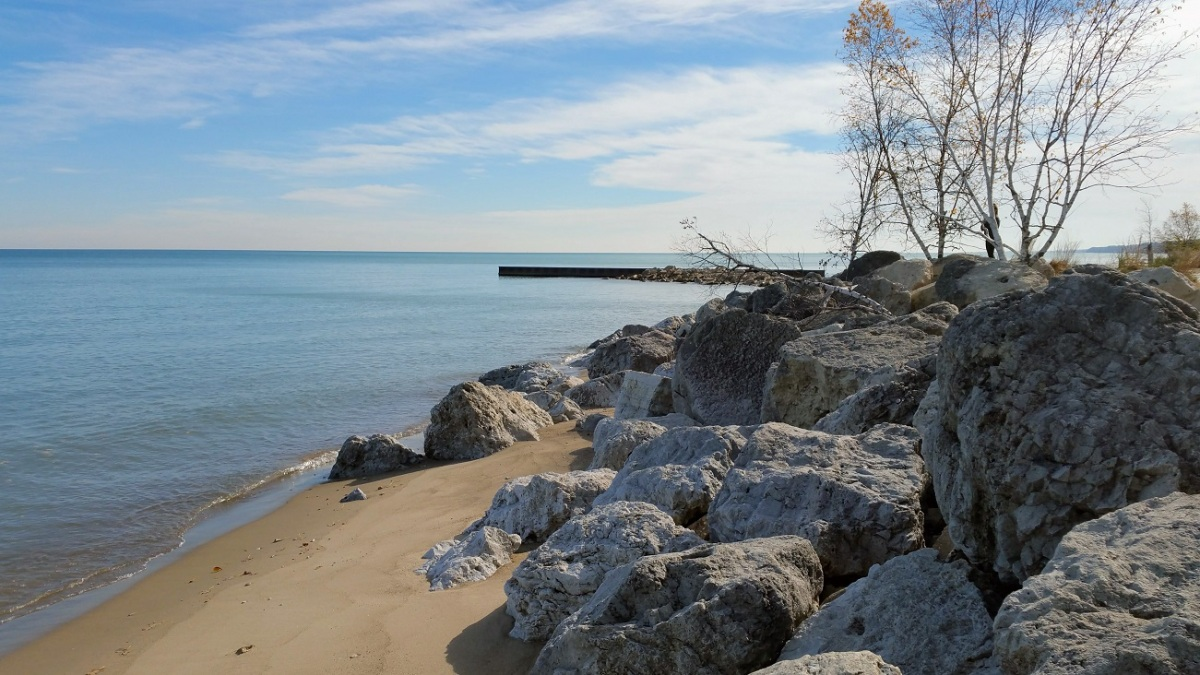 Beach at Fort Sheridan Forest Preserve